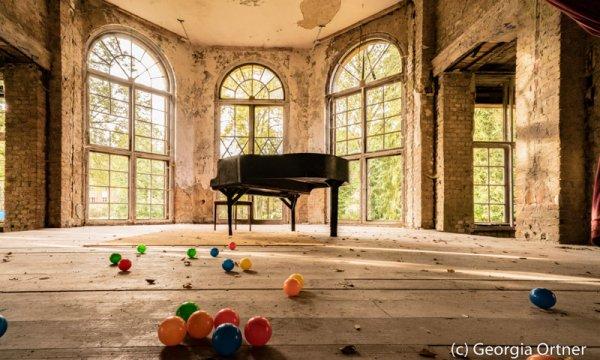 """Ballsaal""- Acrylkaschierung"